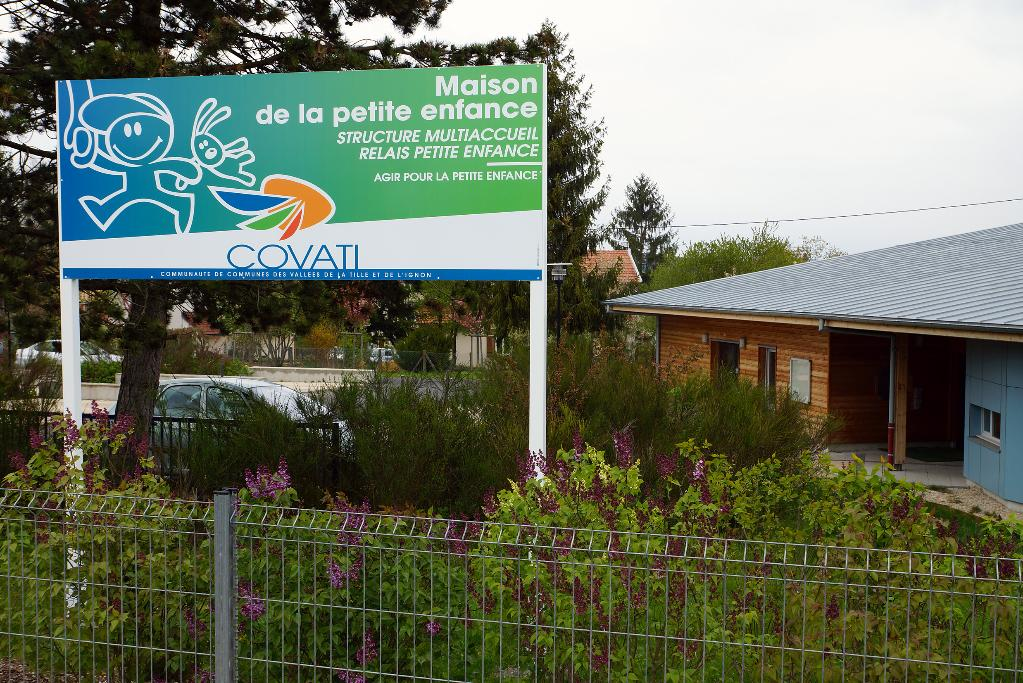 Cr che halte garderie enfance scolarit for Maison is sur tille